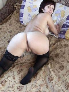 Блондинки и брюнетки с красивыми попами и большими сисями - секс порно фото