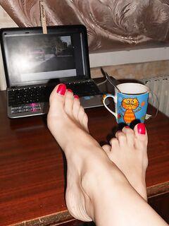 Сексуальные женские ножки крупным планом - секс порно фото