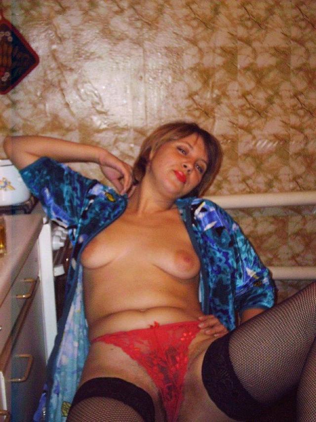 Дающие женщины двигают булками и возбуждают мужчин - секс порно фото