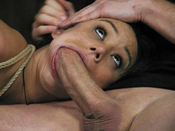Парни позволяют себе трахать чертовски классных девушек - секс порно фото