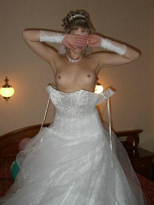 Горячий секс и эротические соло с потрясающими невестами - секс порно фото