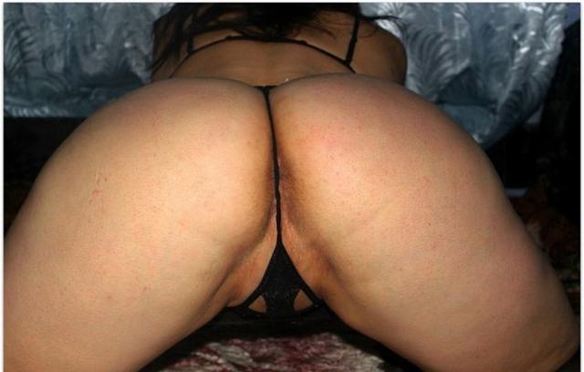 Зрелая брюнетка мастурбирует и не только - секс порно фото