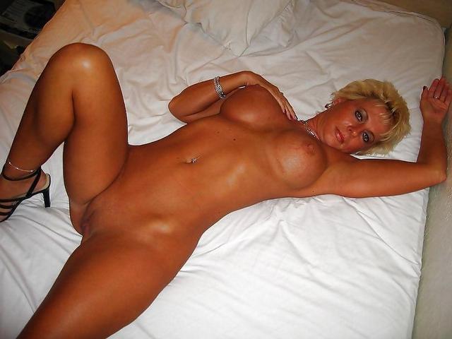 Женщины с огромными буферами позируют для мужчин - секс порно фото