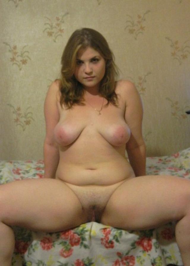 Красивая полная девка разделась - секс порно фото