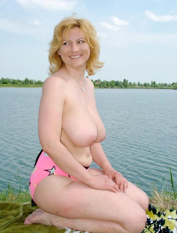 Зрелая показала себя без одежды  - секс порно фото