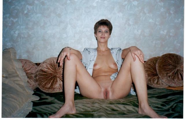 Незамужние женщины подставляют свои большие жопы - секс порно фото