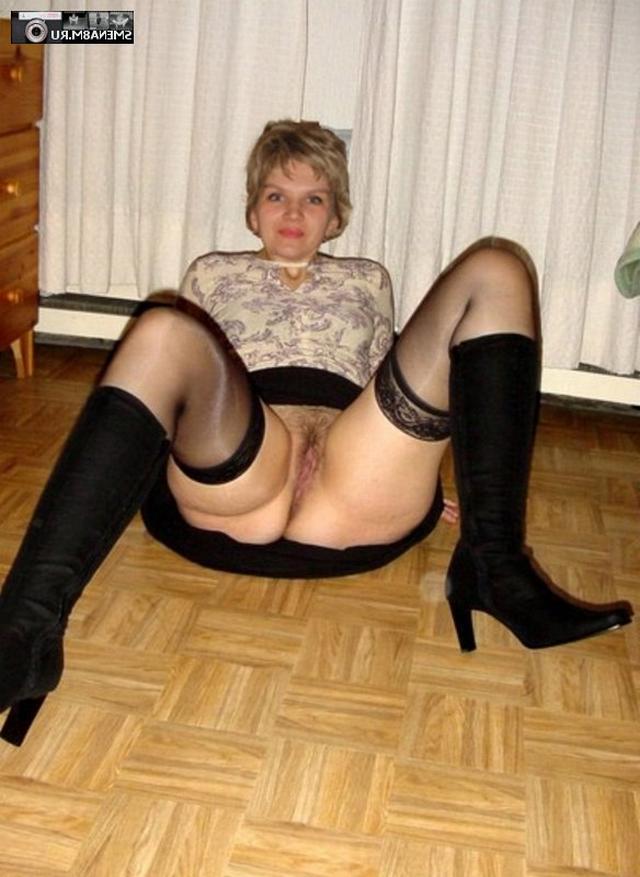 Привлекательные женщины показывают и онанируют киски - секс порно фото