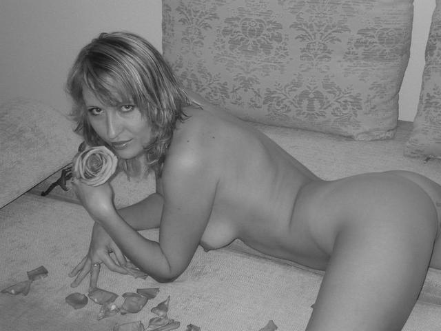 Гостеприимные дамы и согреют, и разденутся - секс порно фото
