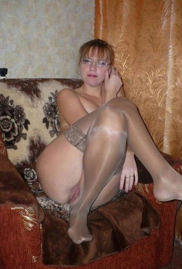 Невоспитанные женщины позируют голышом - секс порно фото