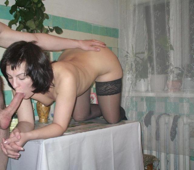 Девки и бабы сосут члены и трахаются с мужчинами - секс порно фото