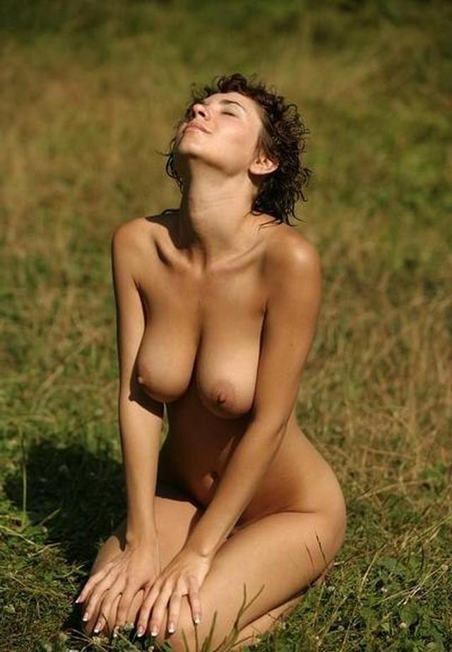У женщин очень легко попросить откровенные снимки - секс порно фото