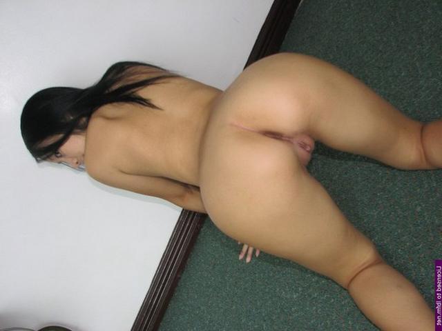 Молодые красотки наконец-то стянули с себя лишнее белье - секс порно фото