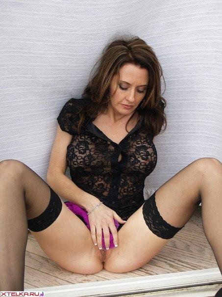 Красотки с большими цыцками трахаются с мужчинами и отдыхают - секс порно фото