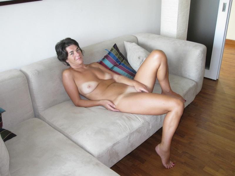 Женщина с горячим телом не находит партнеров на секс - секс порно фото