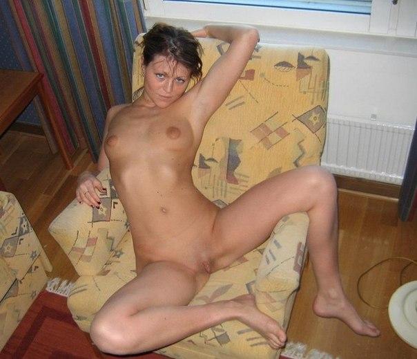 Мужики трахают во влагалище и в рот горячих подруг - секс порно фото