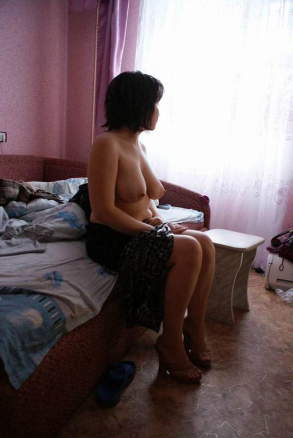 Одинокие и ожидающие мужского появления страстные дамы - секс порно фото