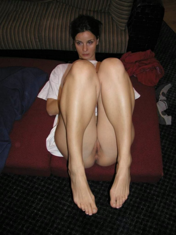 После прогулки девушка придет сосать толстый член - секс порно фото