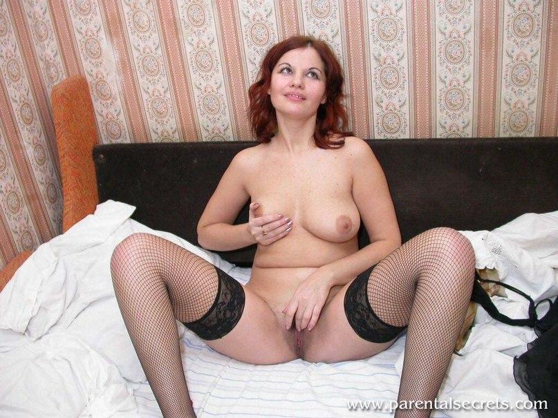 Позерство и отсос членов мужчин горячими любовницами - секс порно фото