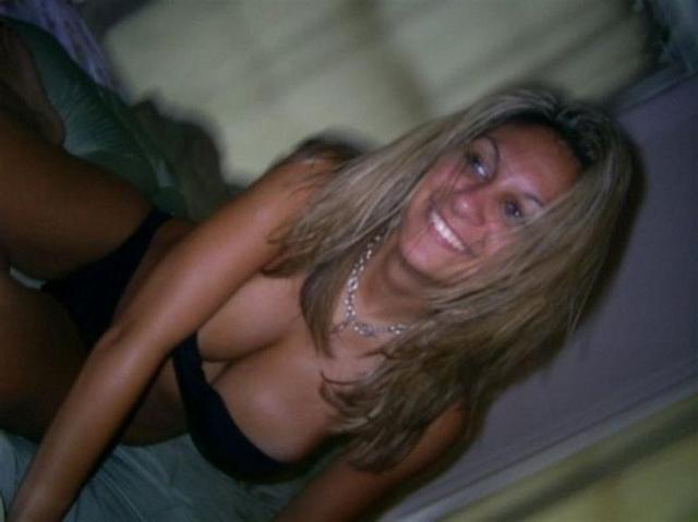 С сексуальной этой грудастой латинки вряд ли кто-то сравнится - секс порно фото